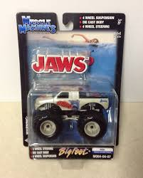 Jaws Muscle Machines Bigfoot Monster Truck- 1:64 Scale- NEW- 2004 In ...