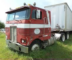 100 Bluegrass Truck And Trailer 1978 Peterbilt 352M Semi Truck Item BW9054 SOLD August