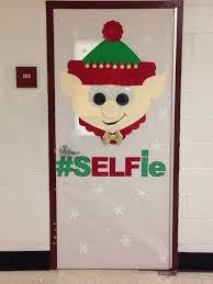 Christmas Office Door Decorating Ideas Pictures by Best 25 Christmas Classroom Door Ideas On Pinterest Classroom