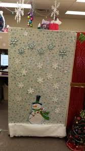Funny Christmas Cubicle Decorating Ideas by Island Of Misfit Employees Christmas Cubicle Cubicle Decorating