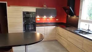 plaque granit cuisine granit pour cuisine cuisine granit noir finition cuir plaque