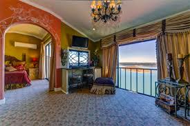 La Villa Vista Lake Travis Austin Bed and Breakfast