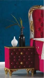 casa padrino barock nachttisch mit glitzersteinen und 2 schubladen bordeauxrot gold 50 x 50 x h 50 cm beistelltisch im barockstil barock