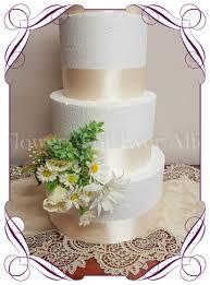 Daisy Floral Cake Decoration
