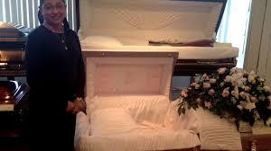 Businessmen Pick Up Funeral Tab For Detroit Murder Victim  CBS