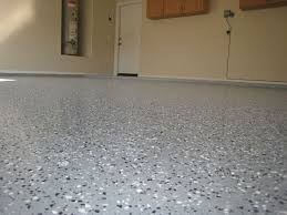 Rust Oleum Epoxyshield Garage Floor Coating Instructions by Best 25 Epoxy Garage Floor Paint Ideas On Pinterest Epoxy Floor