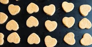 cuisiner pour chien plus besoin d acheter de friandises pour chien voici 4 recettes