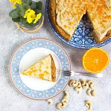 saftiger karottenkuchen mit cashew creme tasty katy