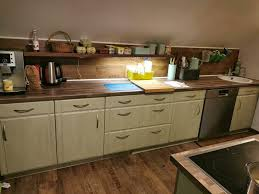 küche in einem schönen grünton