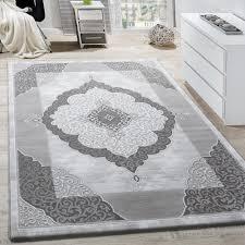 teppich wohnzimmer klassische ornamente