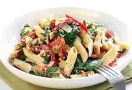 salade de pâtes aux épinards et aux tomates séchées coup de pouce
