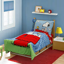 peanuts snoopy on the house 4 piece toddler bed set