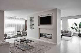 klassisches wohnzimmer in beige bild kaufen 12672049