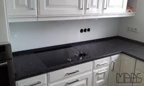 brühl granit arbeitsplatten steel grey und glasrückwand