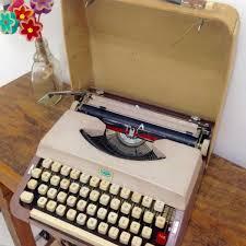 Pra Escrever Cartas De Amor Máquina Escrever Antiga Funcionando Computador Notebook Importado Usado 21985617 Enjoei