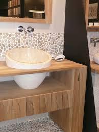 galets salle de bain on decoration d interieur moderne nature