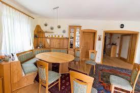 wohnzimmer essecke mit rundbank küche wohnen holz