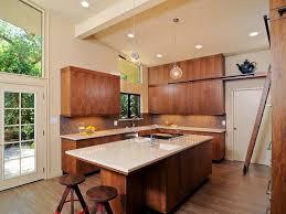 cuisine contemporaine bois massif design interieur modele cuisine contemporaine blanche bois