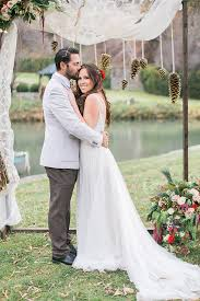 This Wedding Shoot Was Inspired By Winter Holidays Its Rustic Elegant And Bold