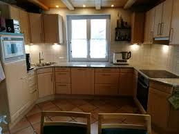 küche u form mit granit arbeitsplatte