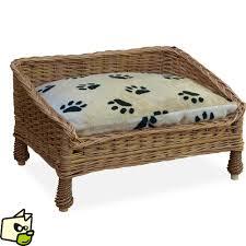 canape pour lit en osier pour faire dormir chien et
