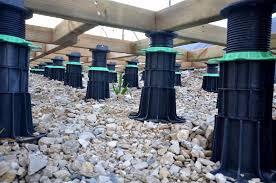 plot reglable pour terrasse bois plot lambourde en pvc réglable h 20 30 mm pour terrasse bois