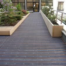 tapis antiderapant escalier exterieur revetements de sol antiderapants tous les fournisseurs