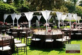 Outdoor Wedding Reception Ideas With An Awesome Atmosphere 5