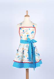coudre un tablier de cuisine patron couture tablier cuisine vintage idée de modèle de cuisine