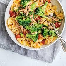 salade tiède de pâtes au thon et au brocoli ricardo