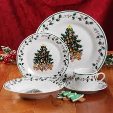 Spode Christmas Tree Platter by Amazon Com Gibson Home Tree Trimming 20 Piece Ceramic Dinnerware