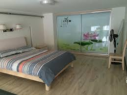 Seth Barham My Minimalist Apartment 7JPG