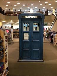 The Tardis Materializes At Barnes & Noble! | Doctor Who Amino The Scariest Books Of All Time Readers Digest Schindler 300a Hydraulic Elevator At Jcpenney Smith Haven Mall Artie Lange Inrrupted His Own Book Signing To Barnes Nobles New Edina Restaurant Has The Makings A Ht And Noble Tyson Corner Mall With Etched In Sand Book Signing 1960s Westinghouse Macys 29 Photos 20 Reviews Bookstores 600 Do Business Simon Property