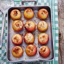 bratapfel mit marzipan nuss füllung