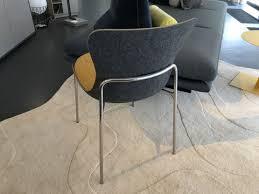stuhl ettoriano grau sitzkissen gelb ligne roset einzelstück designermöbel sindelfingen