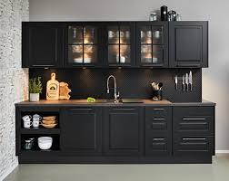 planungsküche sylt schwarz
