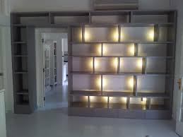 afbeeldingsresultaat voor livingroom with led led in kasten