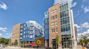 100 Square One Apartments Amenities Pulliam
