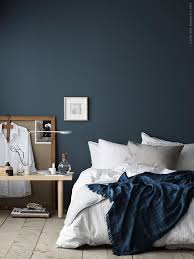 petrol bedroom wall coco lapine design blaue