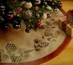 Burlap Look Pine Cone Tree Skirt 56 Inch