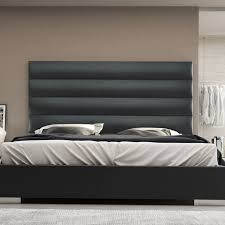 King Platform Bed With Headboard by Best 25 King Platform Bed Frame Ideas On Pinterest King Size