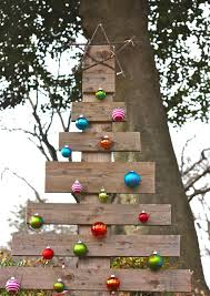 Pallet Christmas Tree A Simple Inexpensive Rustic Outdoor Made From