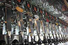 Jolly Pumpkin Brewery Royal Oak by 15 Metro Detroit Bars For Beer Lovers