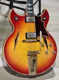 100 Gibson Custom Homes 1964 Trini Lopez Special