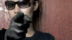 what u0027s the best way to wear long black leather gloves the globe