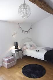 chambre et chambre fille ado guirlandes et coussins par japama