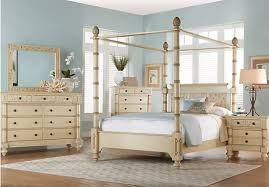 Rooms To Go Queen Bedroom Sets by Shop For A Key Royale Cream 5 Pc Queen Canopy Bedroom At Rooms To