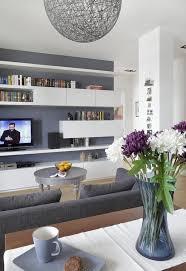 ideen wohnzimmer streichen graue wandfarbe weiße regale