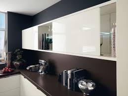cuisine marron et blanc cuisine blanche sol marron photos de design d intérieur et