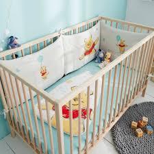 comment mettre un tour de lit bebe tour de lit des nuits tranquilles pour bébé